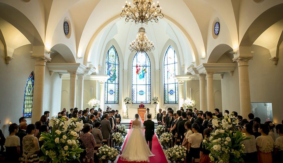 札幌の人気結婚式場|ローズガーデンクライスト教会|B