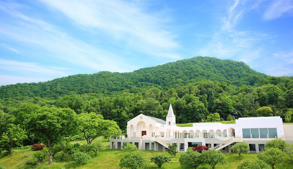 札幌の人気結婚式場|ローズガーデンクライスト教会|C