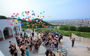 札幌の人気結婚式場|ローズガーデンクライスト教会|L