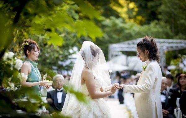 ガーデン人前式|結婚式・挙式