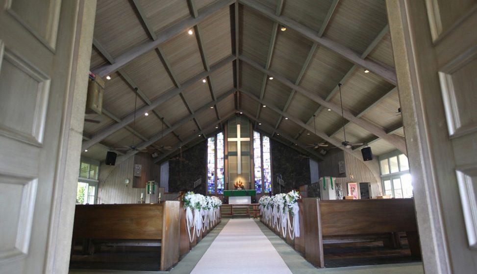 人気リゾート結婚式|ホーリー・ナティビティ教会|E