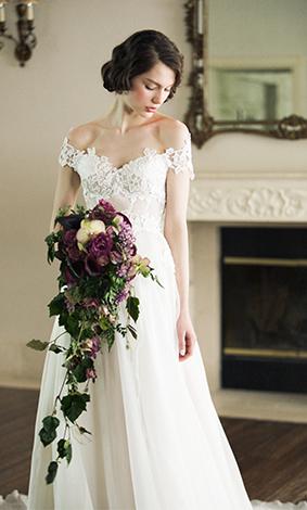 0560dd578e54f カジュアルな雰囲気での結婚式や、結婚式の進行の中に、ある程度自由な時間が多いため、動きやすさを兼ね備えたウエディングドレスがおすすめです。