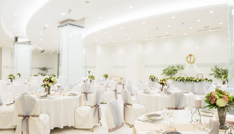 札幌の人気結婚式場|北湯沢緑の森の教会|森のソラニワ|B
