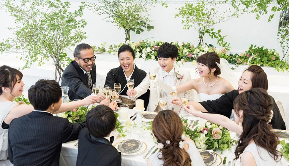 札幌の人気結婚式場|北湯沢緑の森の教会|森のソラニワ|D